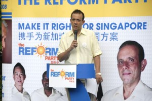 Political hack Kenneth Jeyaretnam bores the crowd