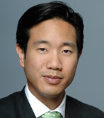 New York Law School Prof. Tai.Heng.Cheng defends anti American arms dealers