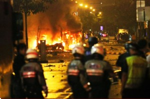 December 8, 2013 Singapore Riot In Flames